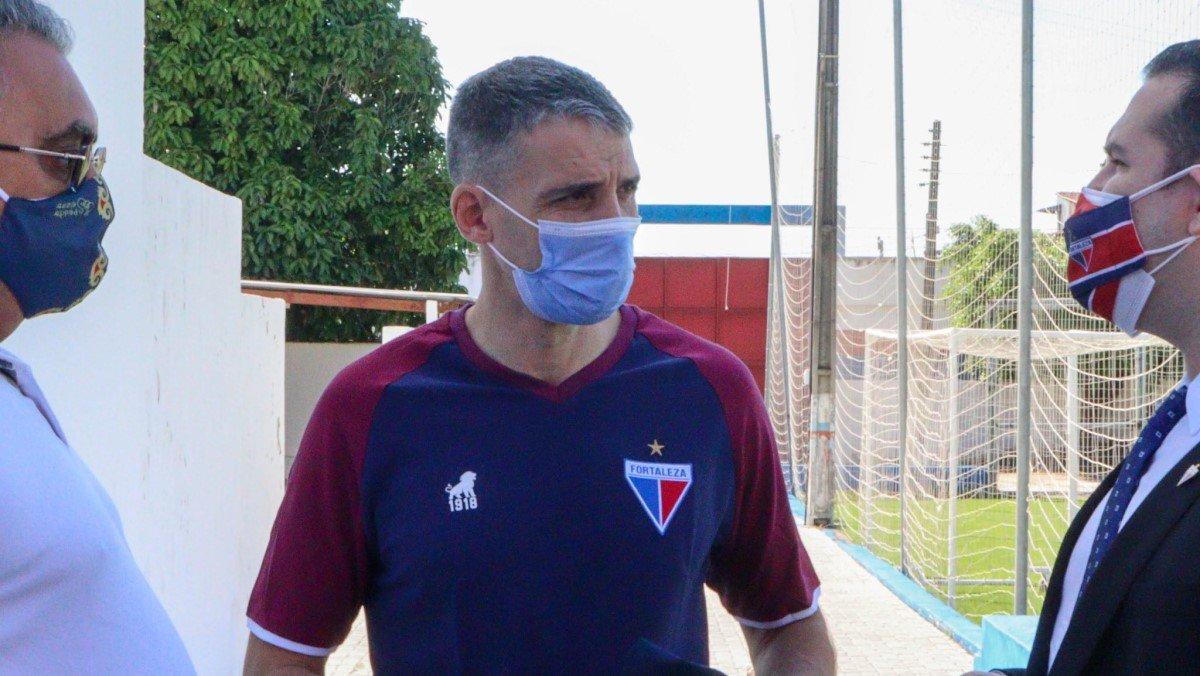 Técnico argentino Vojvoda chegou ao CT do Fortaleza